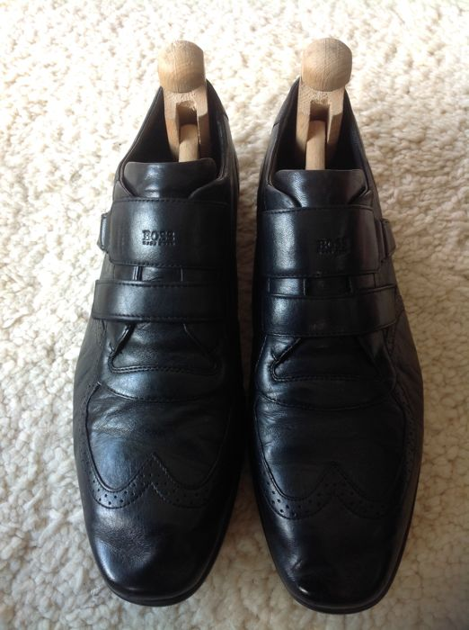 Hugo Boss - Low Top Trainers Boss-Leather-As New.