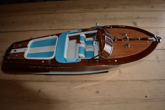 Model Riva Aquarama Special 53 cm - precious wooden boat model