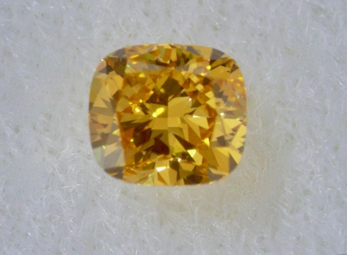 1 pcs Diamant - 0.61 ct - Cushion - fancy deep orange yellow - VVS1