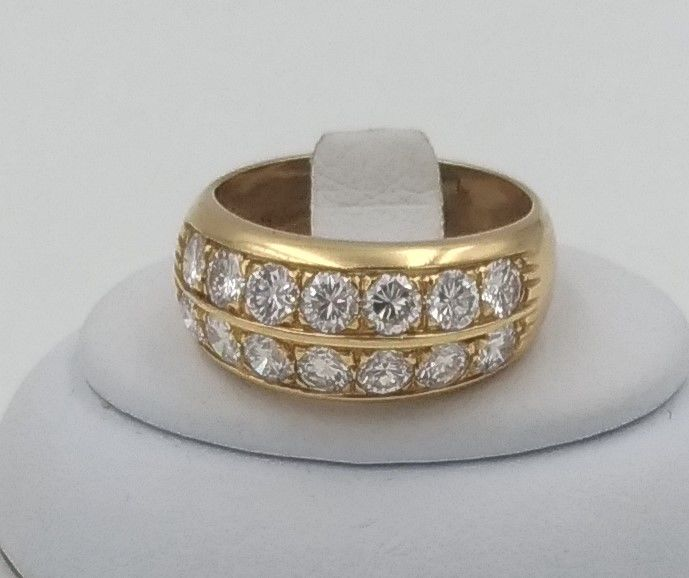 Shank ring with 2 rows of round brilliant cut diamonds