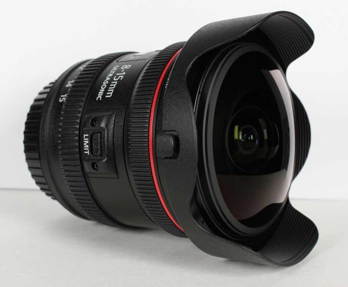 Canon EF 8-15mm f4 USM fisheye