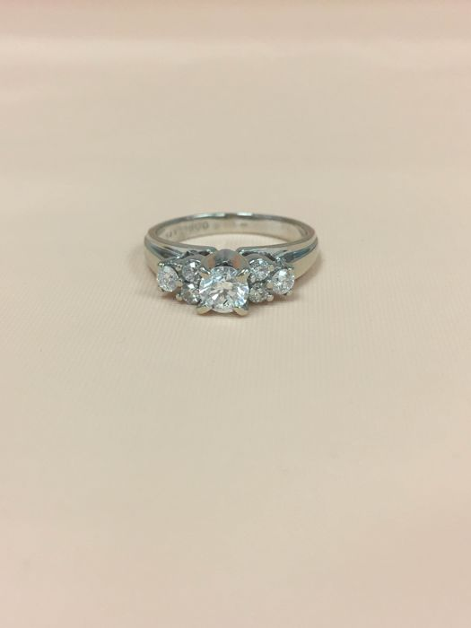 14 Kt Elegance Diamond Ring 0.55ct . NO RESERVED