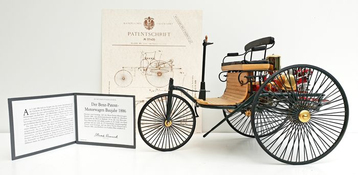 Franklin Mint - Scale 1/8 - Mercedes Benz Patent Motorwagen 1886 - With many 24 carat gold parts - Made out of 275 different components