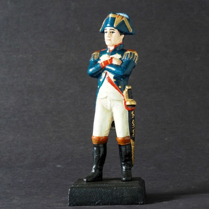 A large cast-iron statuette of Napoleon - Height: 28 cm. Possibly a doorstop - 20th century