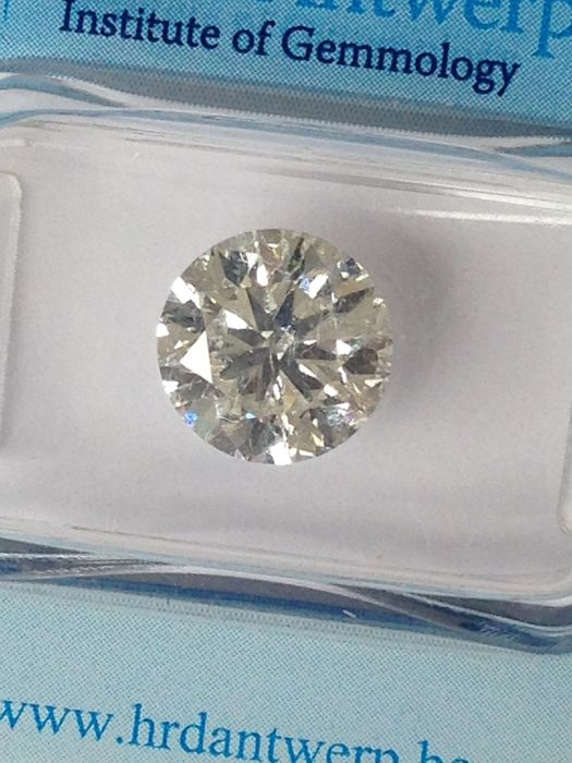 3.01 ct round brilliant F SI2