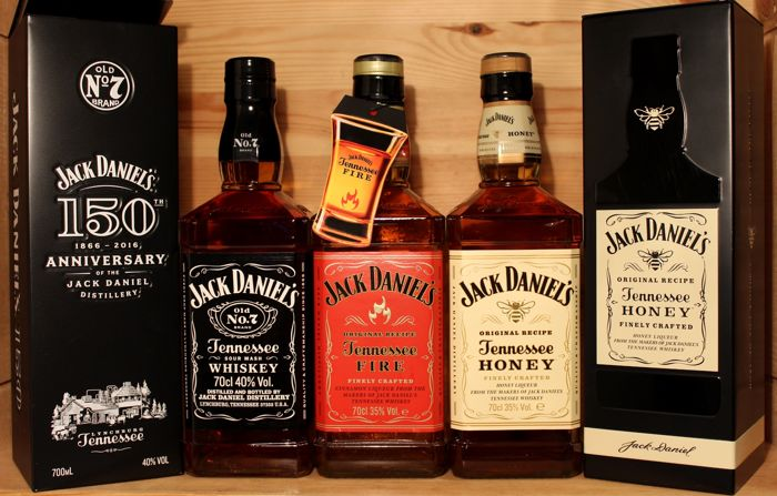 3 bottles - Jack Daniel No 7, 150th Anniversary Gift Box & Tennessee Fire with Tag & Jack Daniels Honey, incl. Metal Gift box