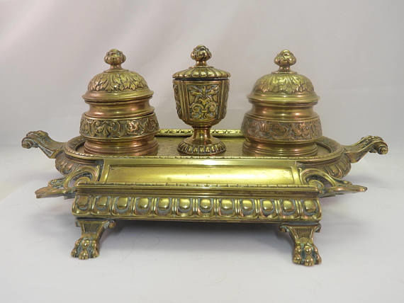 Neo Classical desk stand brass on bronze ink well - End 19th Century