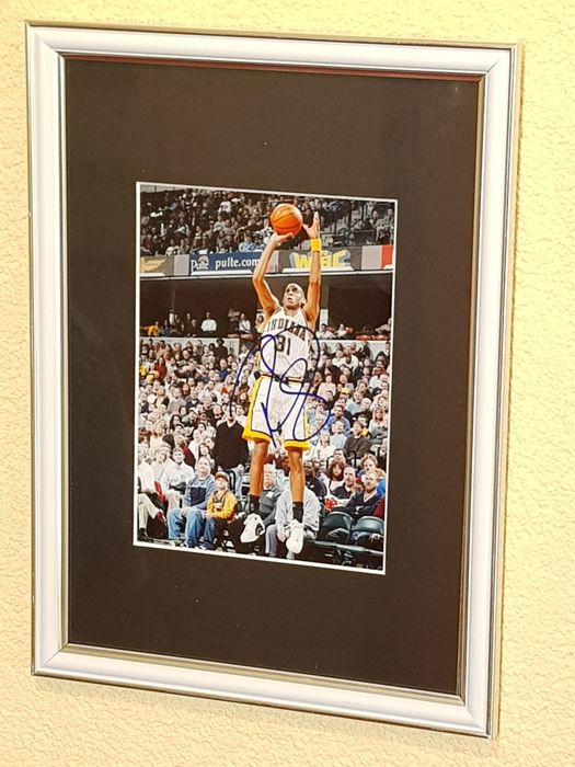 Reggie Miller- Basketbal Legend Dream team 1996 -  hand signed framed photo + COA