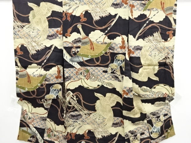 Antique silk boy's kimono with eagle and arrow feathers patterns- Japan - Mid 20th century