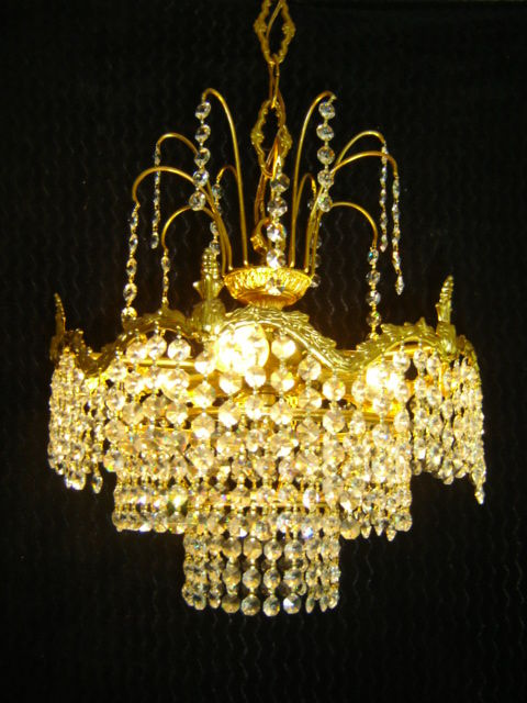 Beautiful gold plated high quality crystal vintage three rings chandelier - fountain model - 50/60s - France.