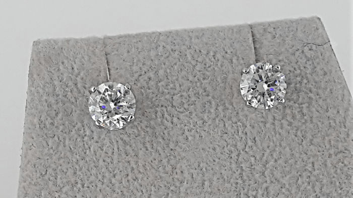 Solitaire Stud Earrings 1.52 carat TCW Round Diamond in Solid White Gold 14K  *** NO RESERVE PRICE