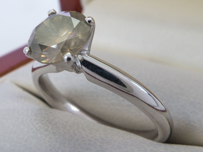 Diamond ring with 1.55 carat solitair brilliant - Graded - **No Reserveprice**