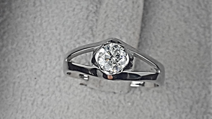 0.50 carat D/SI1 Round Diamond Solitaire Engagement Ring in  White Gold 14K *** NO RESERVE PRICE **