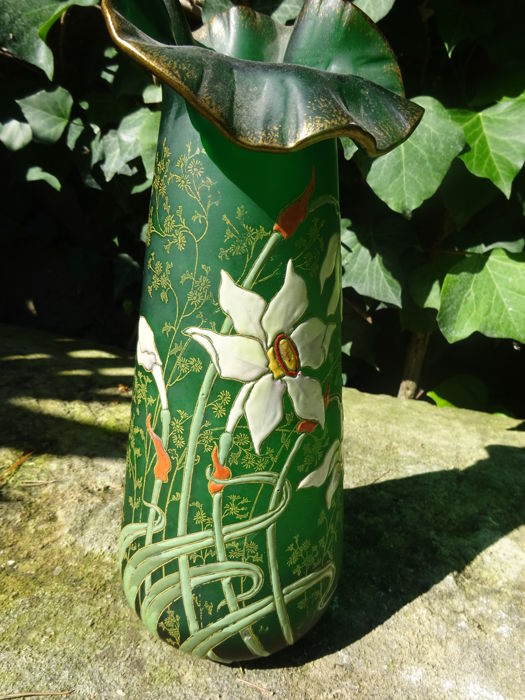 Art Nouveau vase, enamelled and gilded iris decor