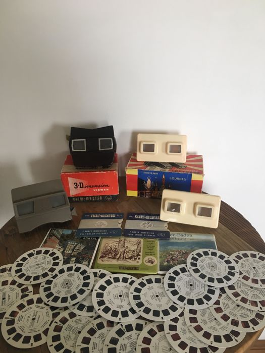 4 Pieces View-Master and 30 discs