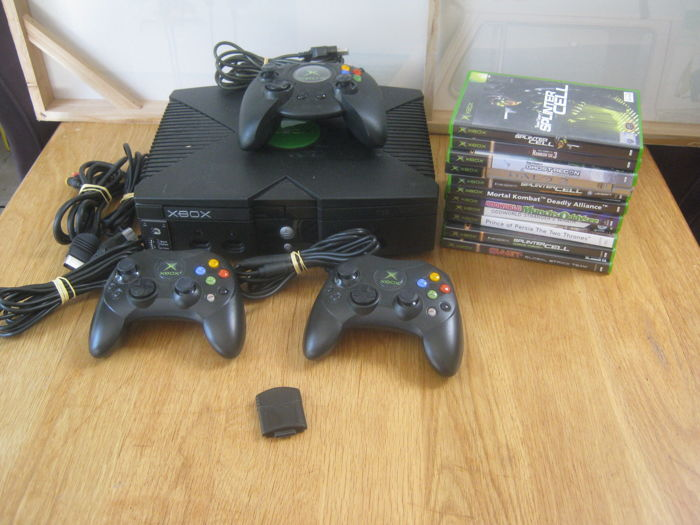 original Xbox console +3 original controllers +1 memory unit +11 games like: Oddworld 1 + 2, Swat, Splintercell + Rainboy six and more
