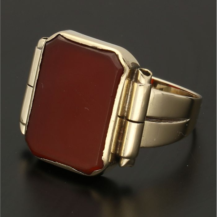14 kt - Yellow gold signet ring set with a carnelian - Ring size: 21 mm