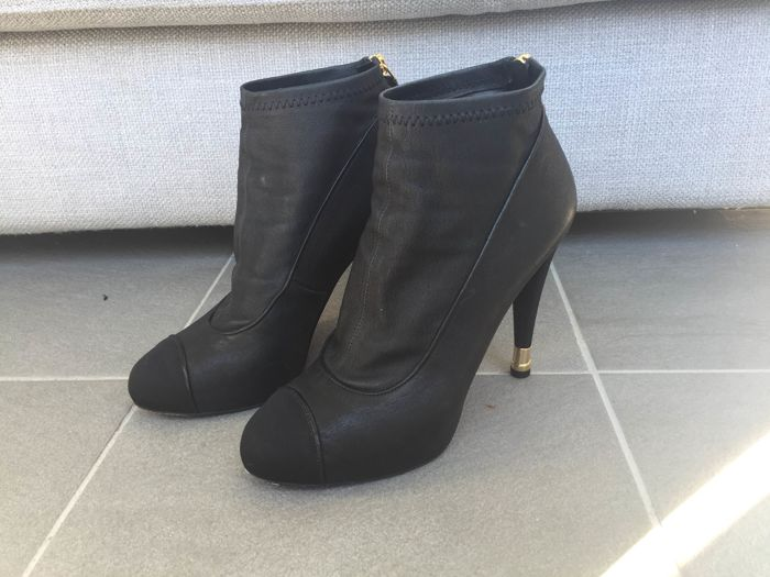 1e38739c49d Bottines Chanel - t39 - Catawiki