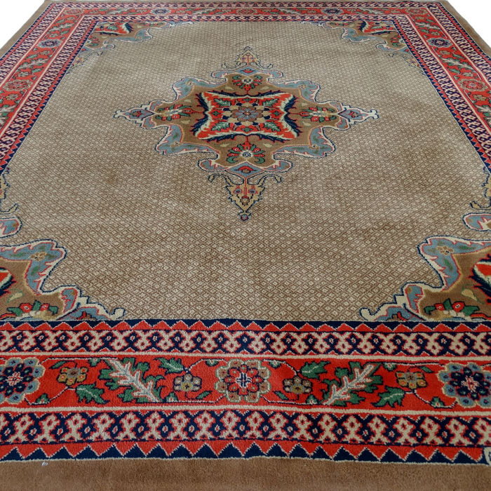 Signed Pakistani rug - 302 x 262 cm - Pakistan.