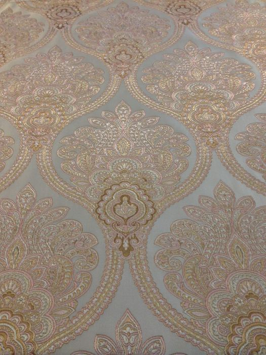 5.40 meters of valuable and thick, silk-effect fabric, San Leucio Damask fabric, Floral Art Deco, pink colour, finished in gold and silver
