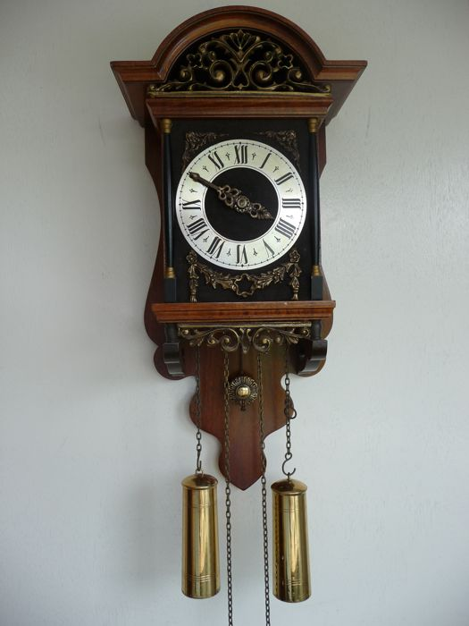 Walnut Zuidlaren clock