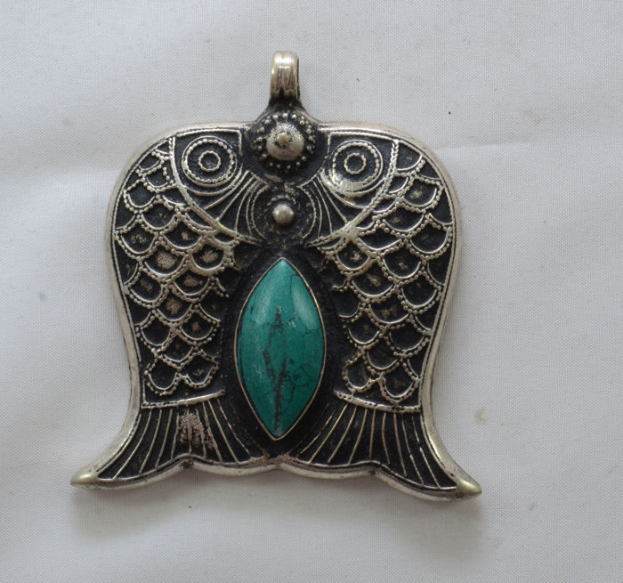 A silver fish amulet - Kabbalah - deep turquoise almond shaped stone - Iraq - ca. 1920/30