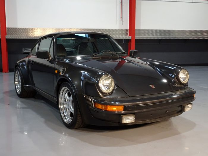 Porsche - 930 Turbo Sunroof Coupe 3.3L  - 1982