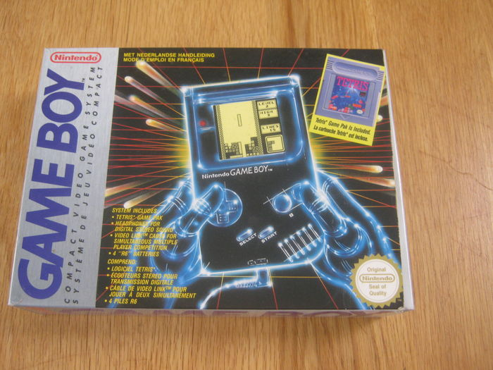Original Nintendo Gameboy complete and boxed plus the game tetris.
