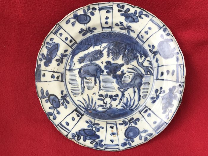 Blue and white deer dish - China - 17th century (Ming Dynasty-Wanli period)