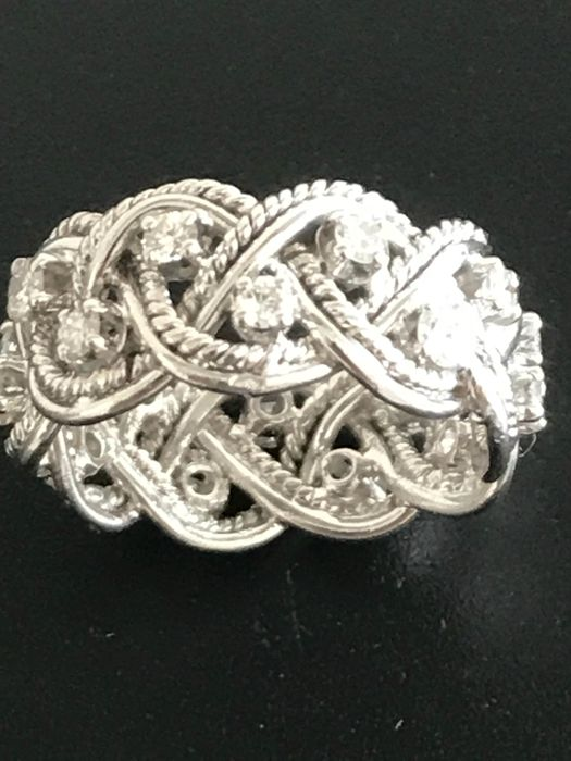 18 kt white gold ring with diamonds of 0.54 ct