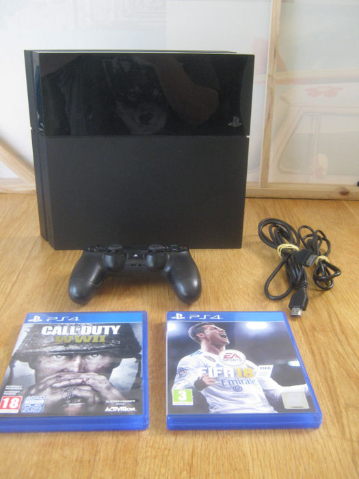 Original Sony ps4+2 absolute top games: FIFA 18+ Call of duty WWII.