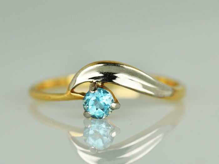 Gold (18 kt) Ring with 0.3 ct topaz Size: 58 (ø 18.5 mm)