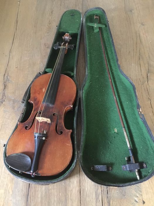 Antique 4/4 violin in case-1933-presumably Germany