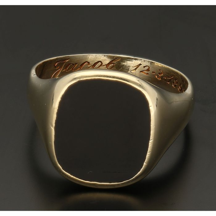 14 kt - Yellow gold signet ring set with onyx - Ring size: 21.25 mm