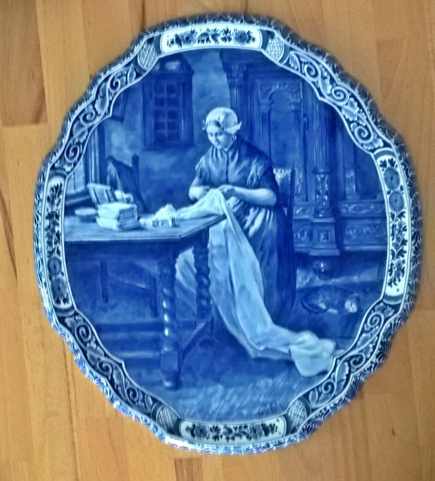Porceleyne Fles Delft - 'The Seamstress'