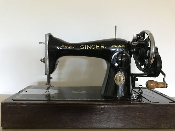 Singer 15K hand sewing machine with dust cover, 1951