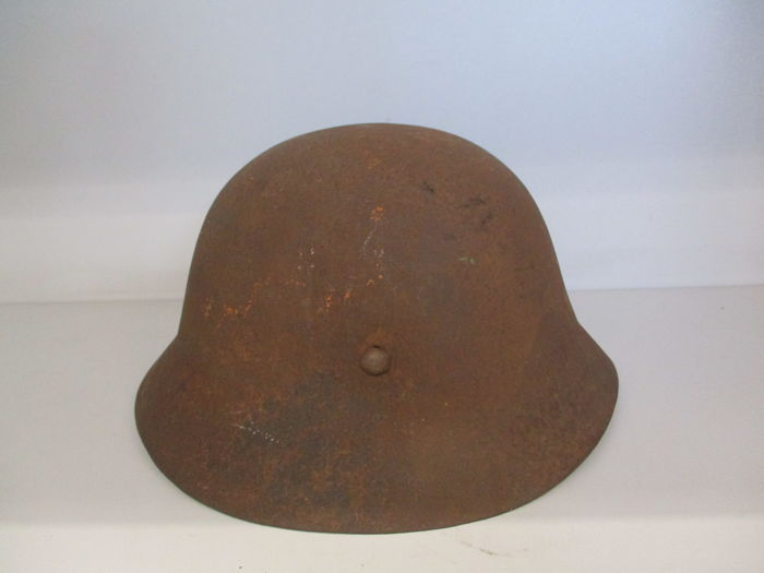 Fine Japanese military helmet - Japan