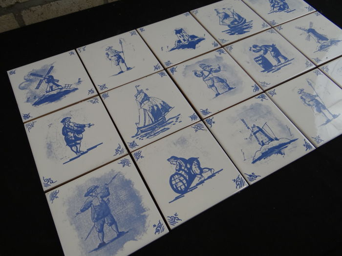 Collection of 15 tiles Delfts Blue