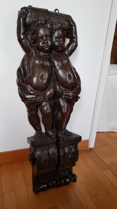 Pair of wooden sculptures depicting putti - Cremona, Italy - 17th / 18th century