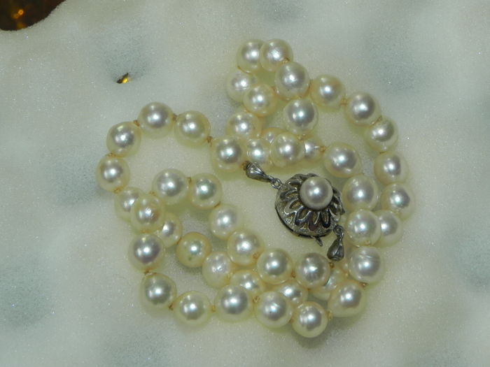 Antique salt water Akoya pearl necklace salt water pearl diameter 7.7 mm Silver 835