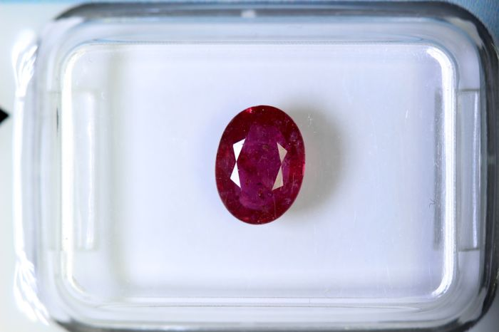 Ruby - 1.21 ct - Intense Red