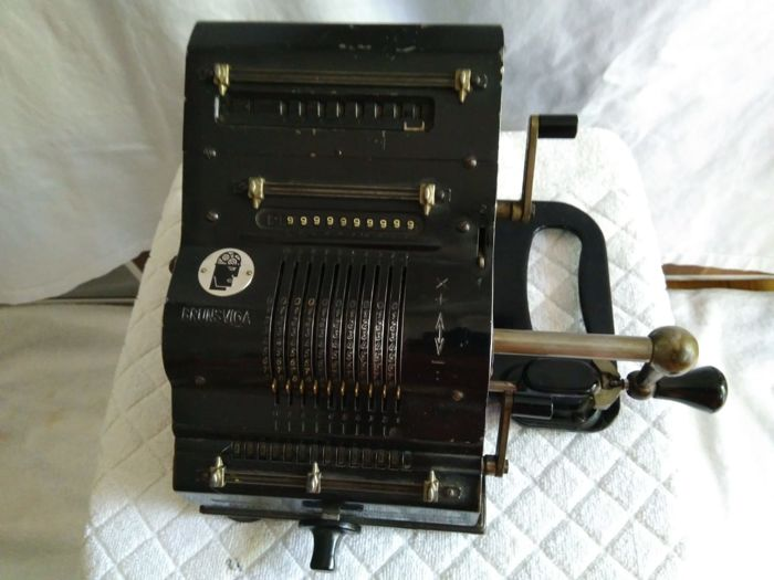 Antique calculator from 1920 by Brunswiga-Maschinenwerke