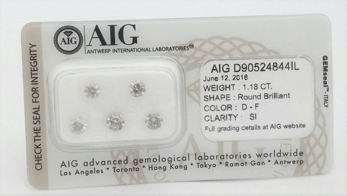 1.18 carat - 5 Diamonds -   D - F  color - SI clarity - Round Brilliant -  AIG   SEALD + AIG Certificate , ***LOW RESERVE***.