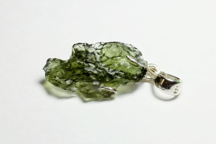 Silver pendant with natural  Moldavite - 35×13×8 mm. - --