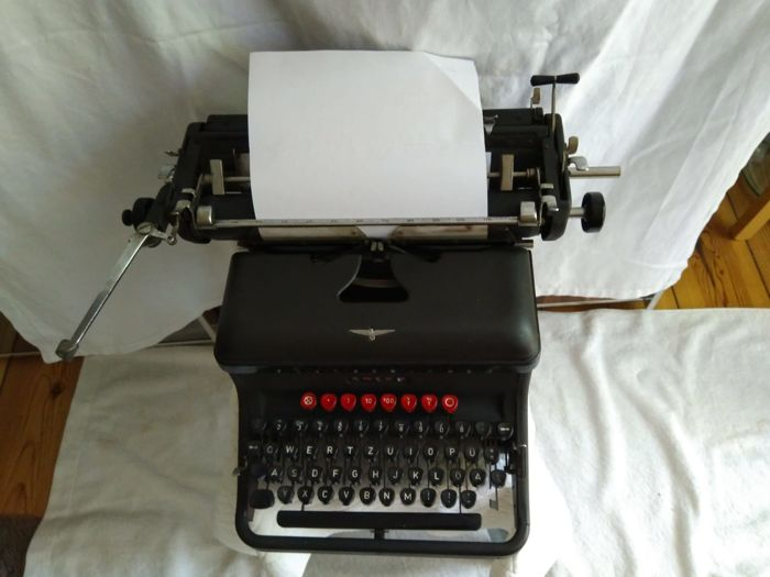 Adler typewriter from 1949 with DM button
