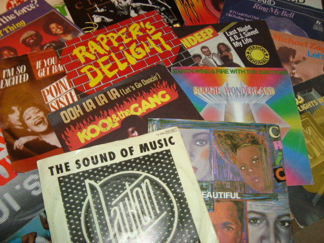 "Best Disco Classics Ever! II 50x 7"" vinyl II Dayton/ Earth, Wind & Fire/ Chic/ Kool & The Gang/ Indeep/ Sugarhill Gang/ The Trammps/ Dan Hartman... And Many More!"