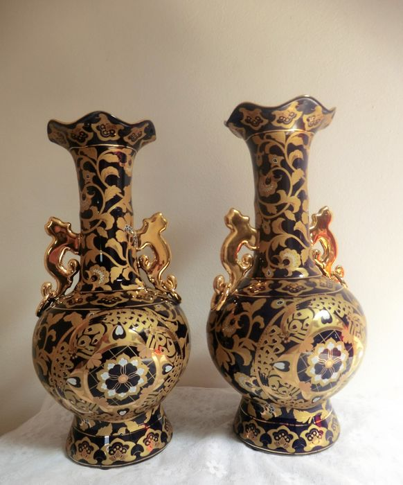 A Marked Very Beautiful Set Of Vases These Are Royal Blue With Gold