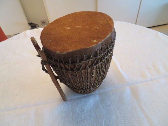 Beautiful African drum / tom-tom - 20th century
