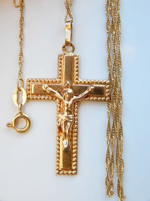 Large cross with Christ 4 x 2.2 cm + long chain of 60 cm all in 18 kt yellow gold