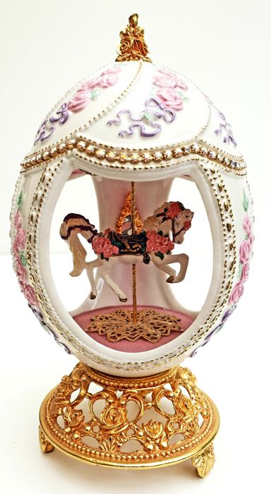 Fabergé - Large Carousel Collector Egg - Fine Hand-crafted porcelain - Austrian Swarovski stones - With 24 carat gold - (20 cm / 400 g)